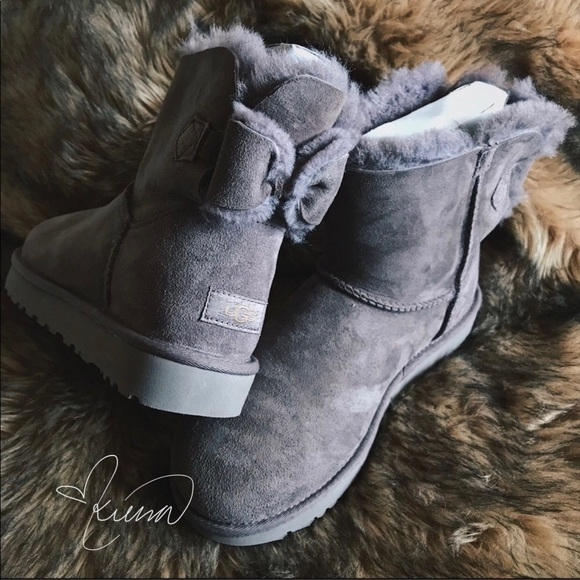 f9ca57c8004 Ugg Boots NAVEAH (9) NWT
